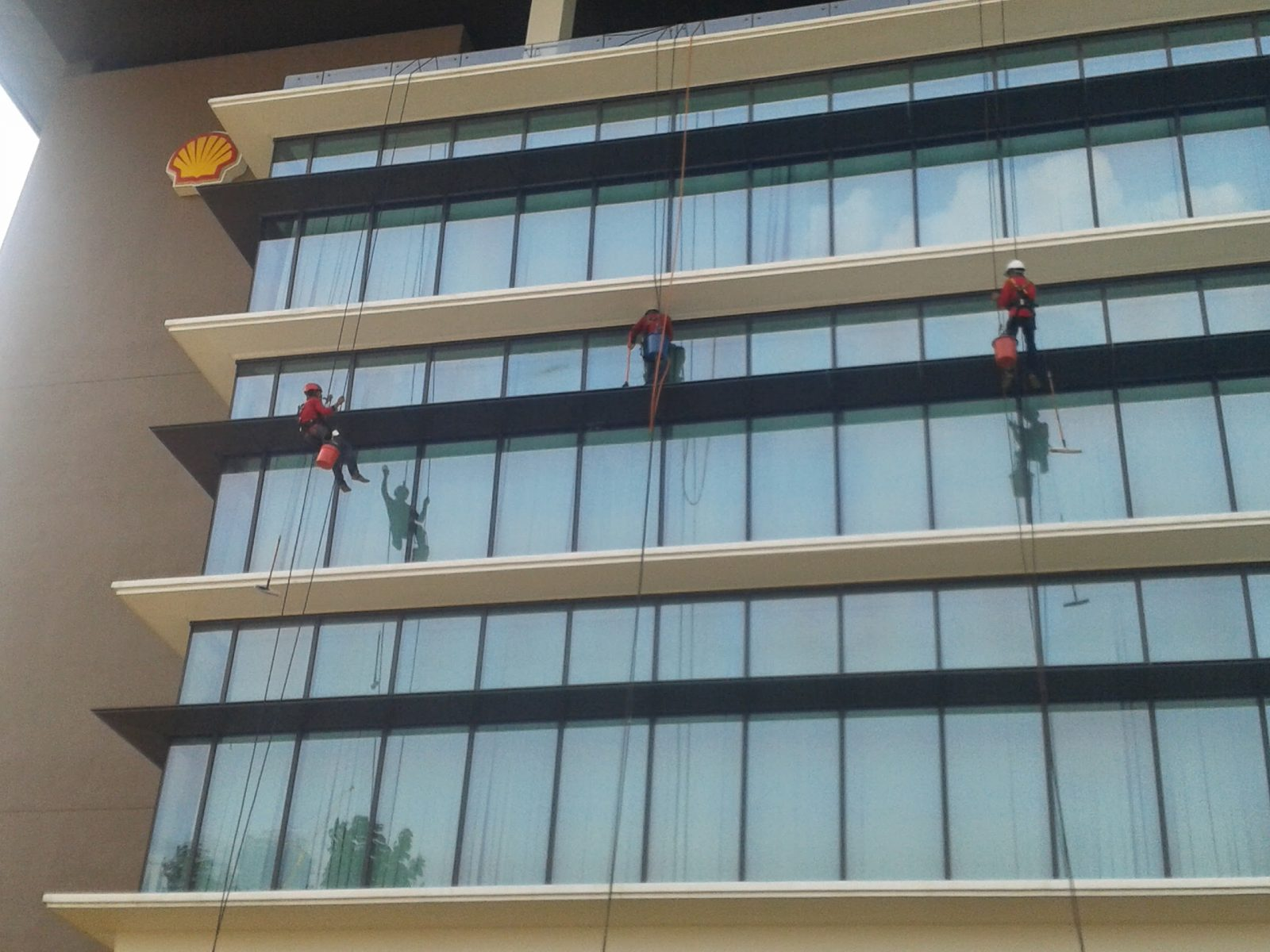 external glass cleaning at Shell Malaysia